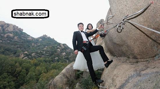 ماه عسل جالب عروس و داماد روی صخره ها