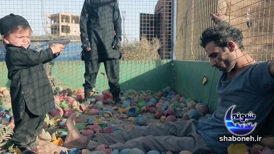 جلاد خردسال داعش در حال اعدام اسیر