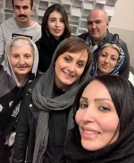 عکس مادر و برادر پرستو صالحی بازیگر و همسرش +عکس از کودکی تا خانواده