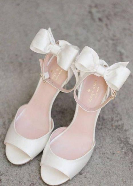 مدل کفش عروس پاشنه پهن و باریک