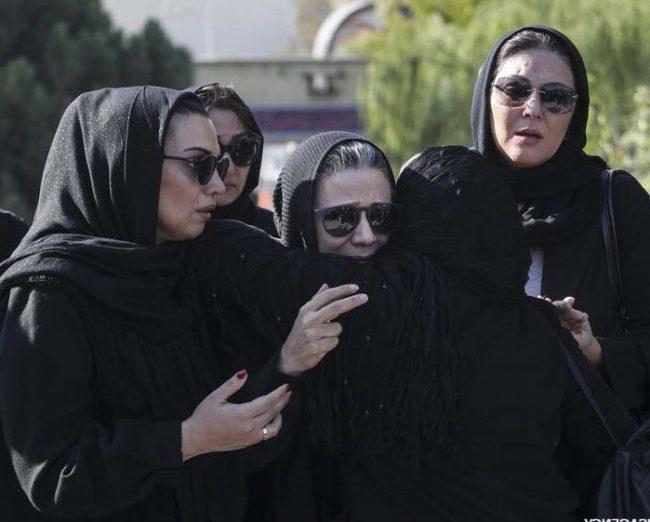 گریه های فلورا سام در مراسم تشییع همسرش مجید اوجی