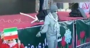فیلم رقص در راهپیمایی 22 بهمن به سبک رباتیک