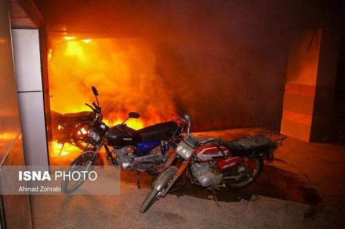 آتش سوزی مجتمع مسکونی قم (تصاویر و فیلم و آمار تلفات)