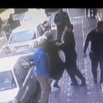 ماجرای فیلم درگیری یک مرد جوان با یک زن در خیابان