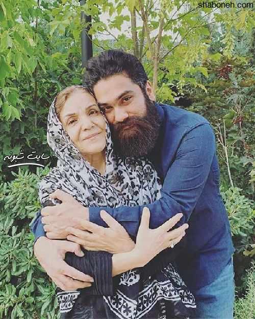 عکس علی زند وکیلی خواننده و مادرش