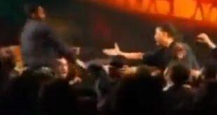 فیلم حمله محمود کریمی به پسرش و پاره کردن لباس پسرش