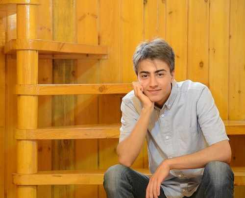 بیوگرافی دانا حکیمی پسر دانیال حکیمی + اینستاگرام و عکس