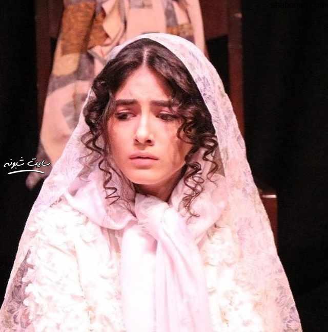 بیوگرافی پردیس پورعابدینی بازیگر نقش مانلی (راضیه) در سریال آقازاده +اینستاگرام