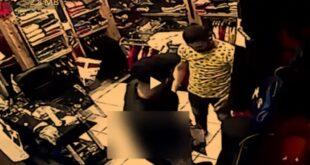 (فیلم) قتل مغازه دار به دلیل پس نگرفتن لباس