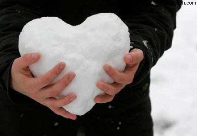 عکس پروفایل دخترونه زمستانی با برف