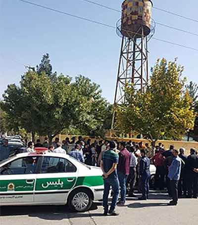 فیلم تیراندازی زن به شوهرش در کرمانشاه مقابل شورای حل اختلاف