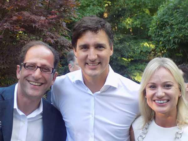 بیوگرافی علی احساسی عضو پارلمان کانادا و همسر و سوابق + عکس